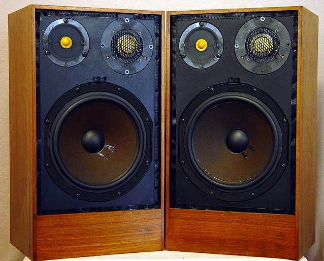 Acoustic Research AR11 speakers