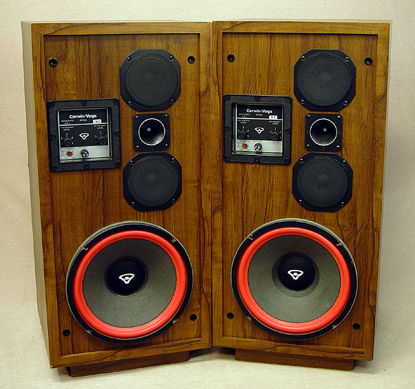 CERWIN VEGA D-7 Speakers