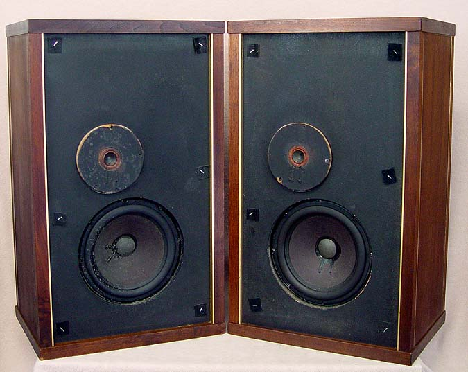 EPI M150 Speakers