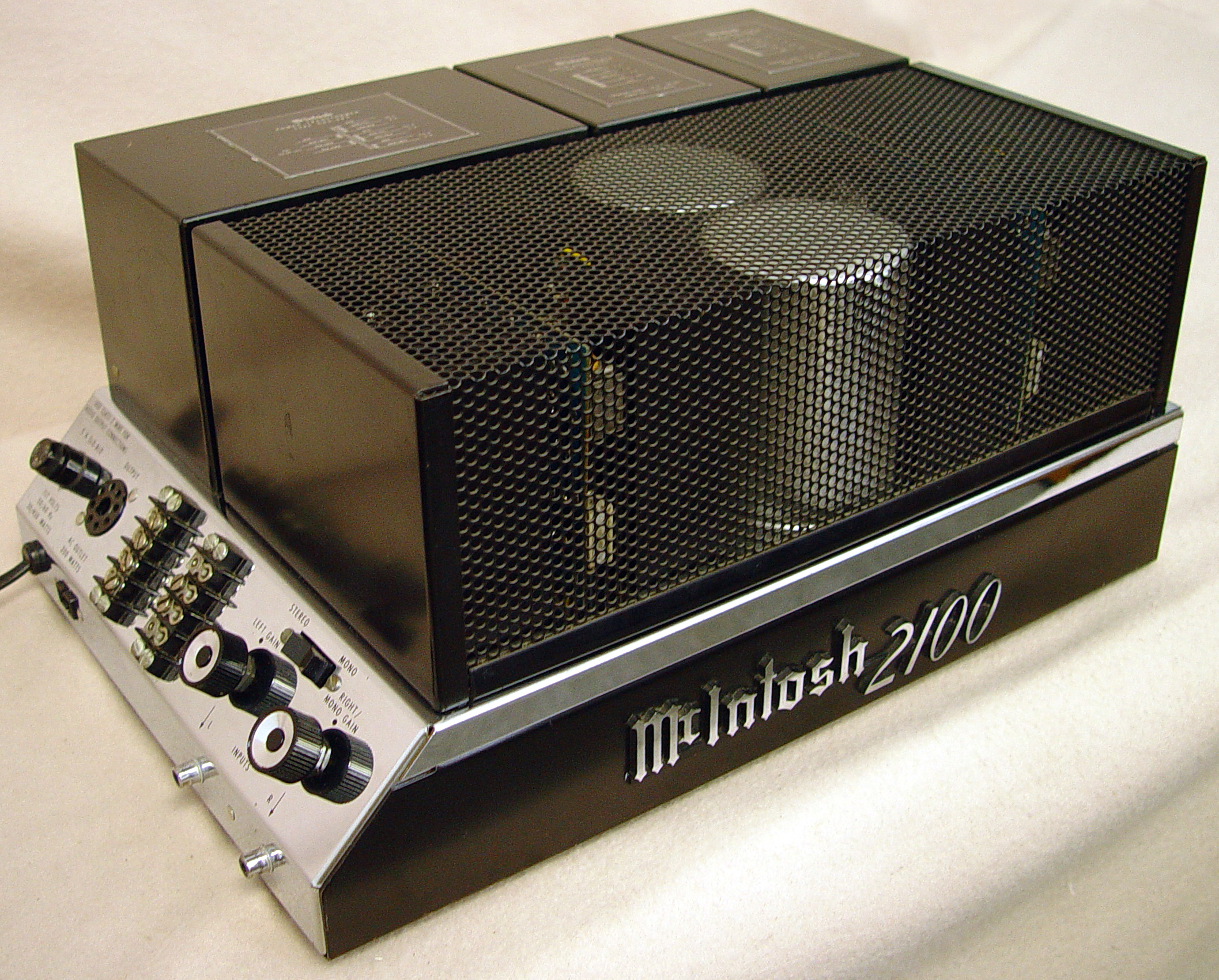 McIntosh 2100 power amplifiers