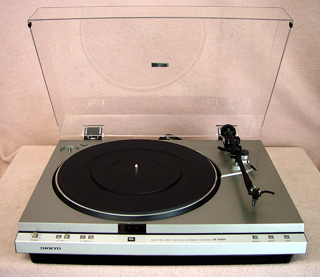 ONKYO CP-1030F Turntables