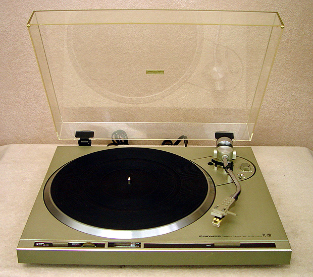 PIONEER PL-200 Turntables