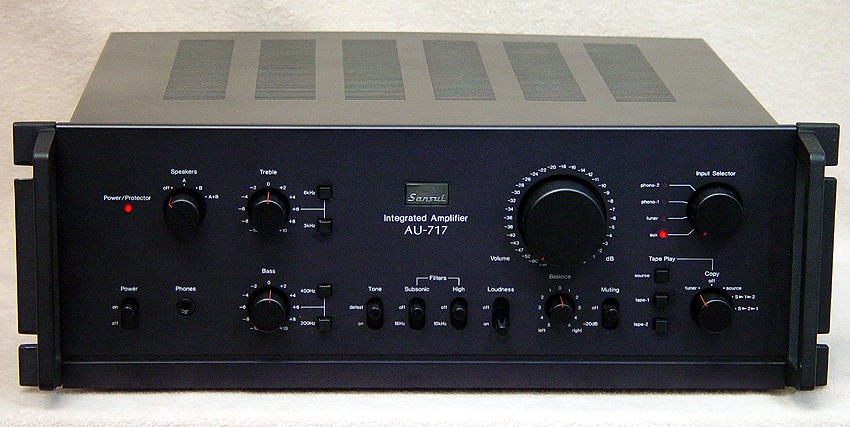 Sansui AU-717 integrated amps